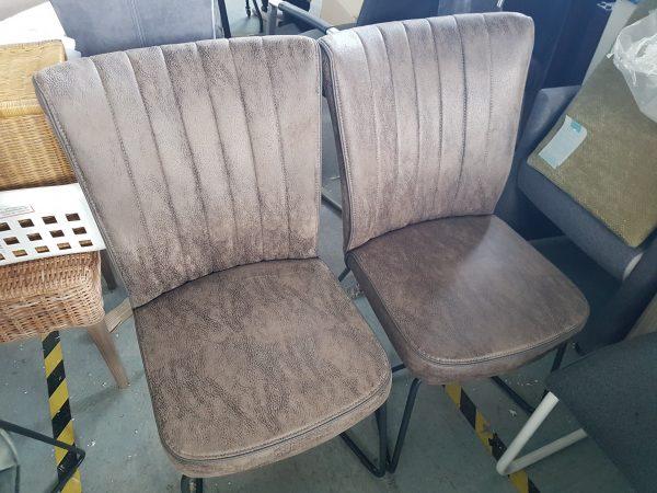 Laatste 2 stoelen clay van 358 NU VOOR 150
